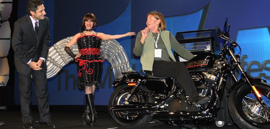 Las Vegas Trade Shows Entertainers