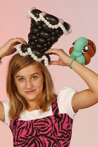 Tawney Bubbles balloon artist